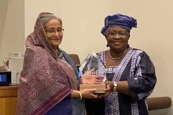 'ভ্যাকসিন হিরো' পুরস্কার পেলেন শেখ হাসিনা