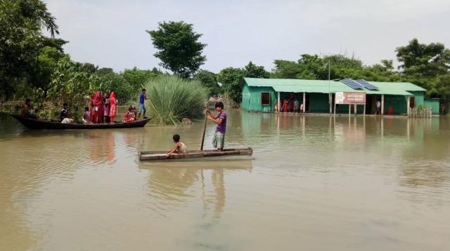 রাজশাহীতে পদ্মায় পানি বেড়ে বিপৎসীমার কাছাকাছি