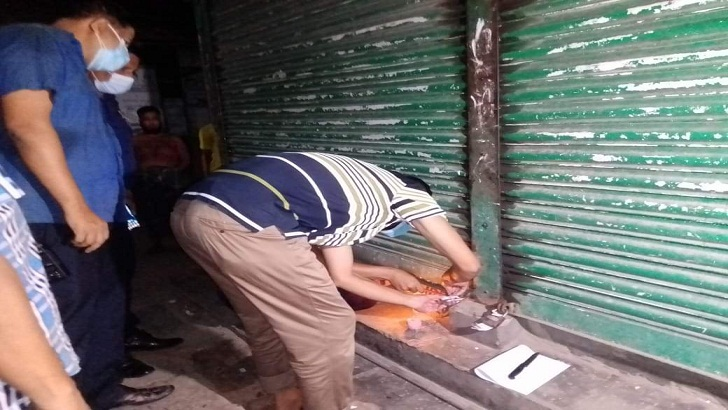 সরকারি চাল মজুদ সন্দেহে আড়ত সিলগালা, ব্যবসায়ী পলাতক