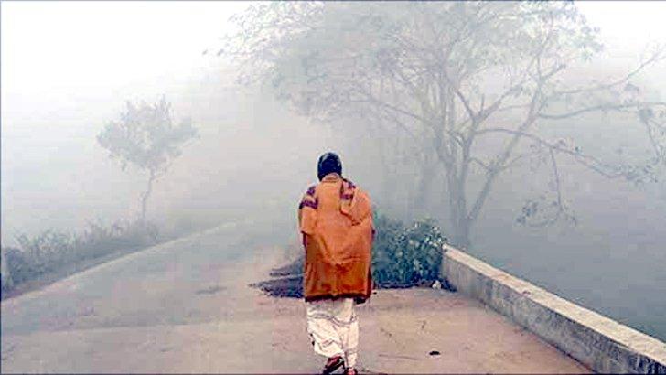 মাঘের শীতে কাঁপছে শিবগঞ্জ, মেলেনি শীতবস্ত্র