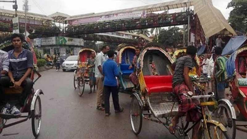 রাজধানীতে রিকশা মোটরসাইকেল চলাচল বেড়েছে