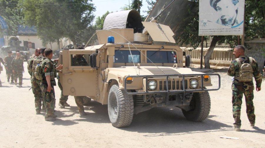 তালেবানের ভয়ে একদিনেই পালালো তিনশ' আফগান সেনা